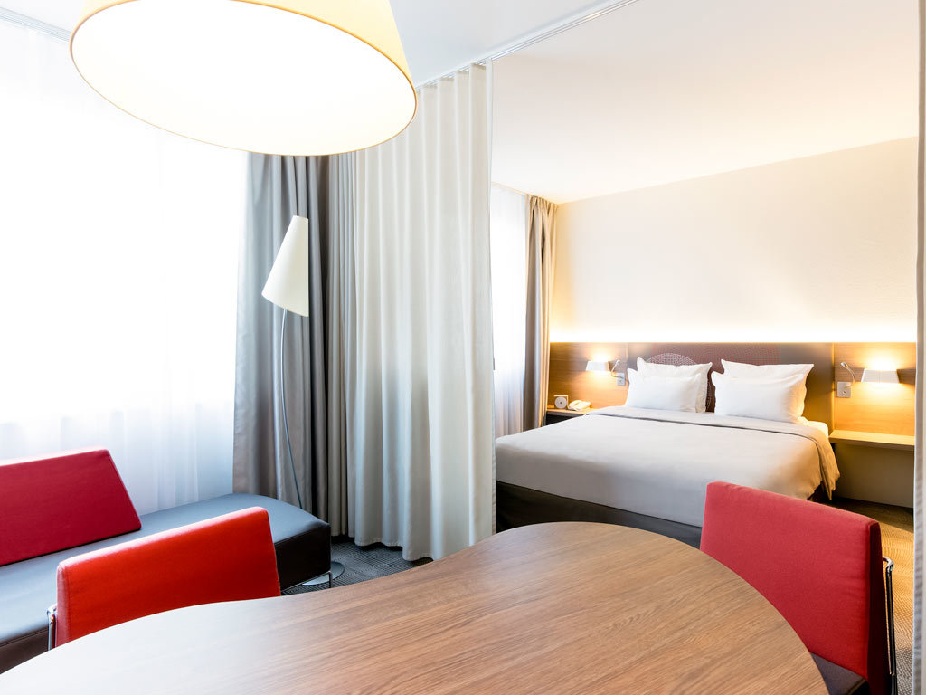 hotel novotel suites clermont ferrand polydome. Black Bedroom Furniture Sets. Home Design Ideas