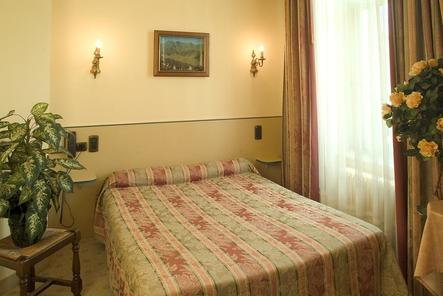 grand h tel du midi clermont ferrand. Black Bedroom Furniture Sets. Home Design Ideas