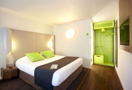 hotel campanile clermont ferrand le br zet. Black Bedroom Furniture Sets. Home Design Ideas