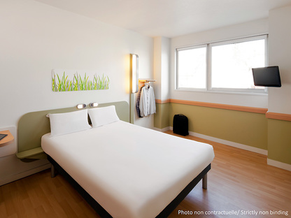 hotel ibis budget clermont ferrand le br zet a roport. Black Bedroom Furniture Sets. Home Design Ideas
