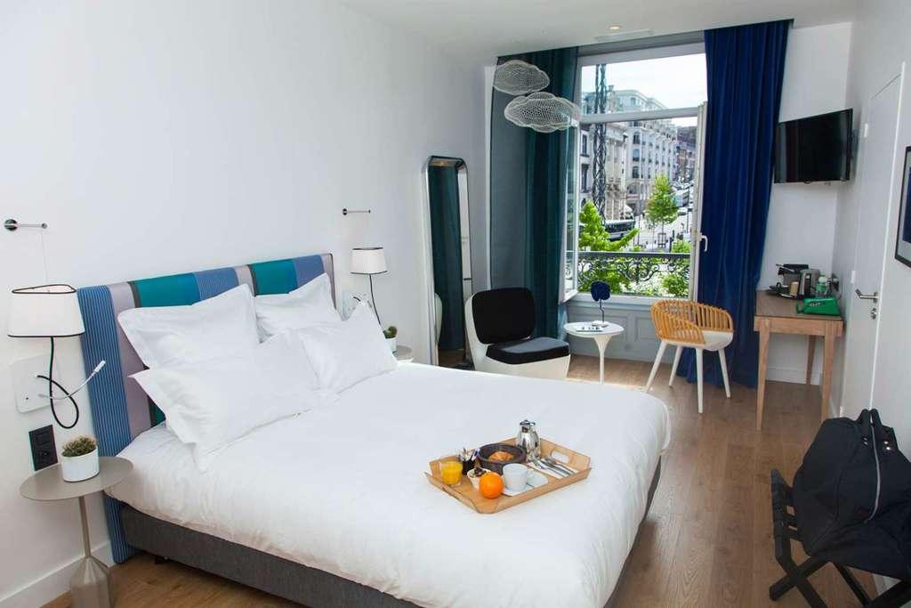 h tel le lion clermont ferrand. Black Bedroom Furniture Sets. Home Design Ideas